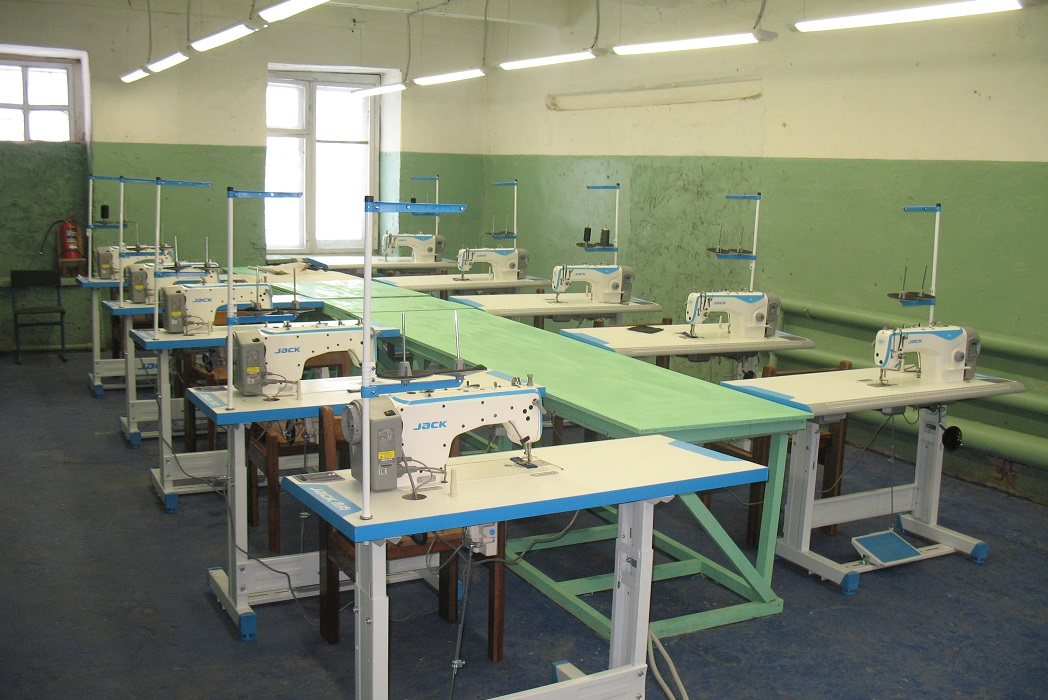 В колонии Курганской области заключённые начали ещё больше шить