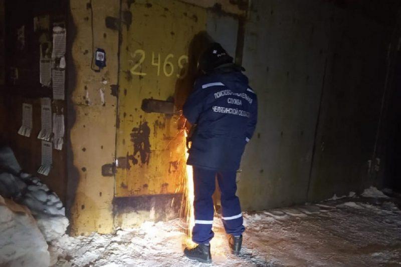 В Магнитогорске спасатели нашли мёртвого мужчину в закрытом гараже