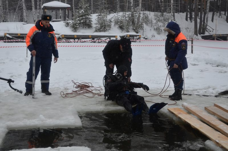 В Свердловской области оборудуют 108 крещенских купелей