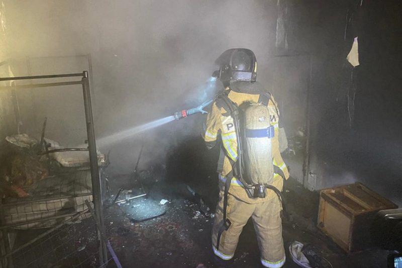 Жильцов 10-этажного дома в Екатеринбурге эвакуировали из-за пожара