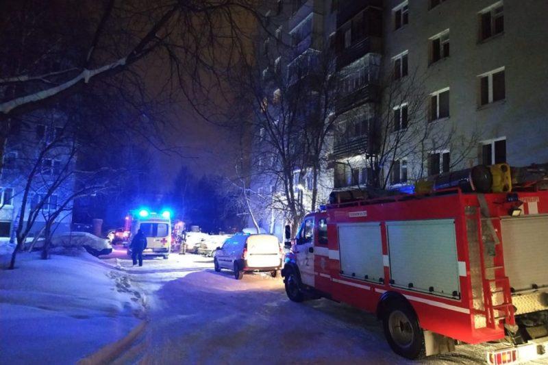 При пожаре в многоэтажке в Екатеринбурге погибли 8 человек