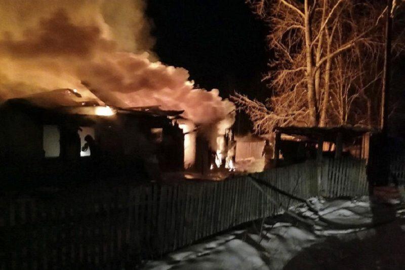 В Челябинской области многодетная семья потеряла дом из-за пожара