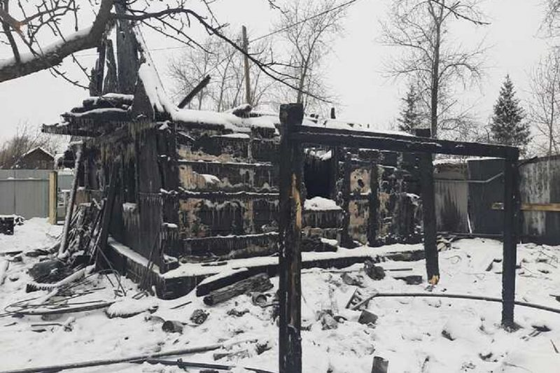 В Нижнем Тагиле в новом году сгорели два садовых дома