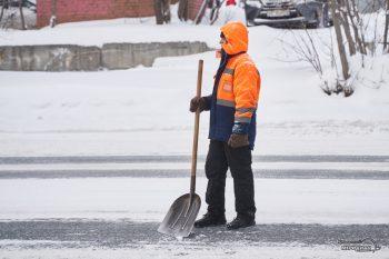 uborka ulits sneg spetstehnika vyvoz zhkh 35