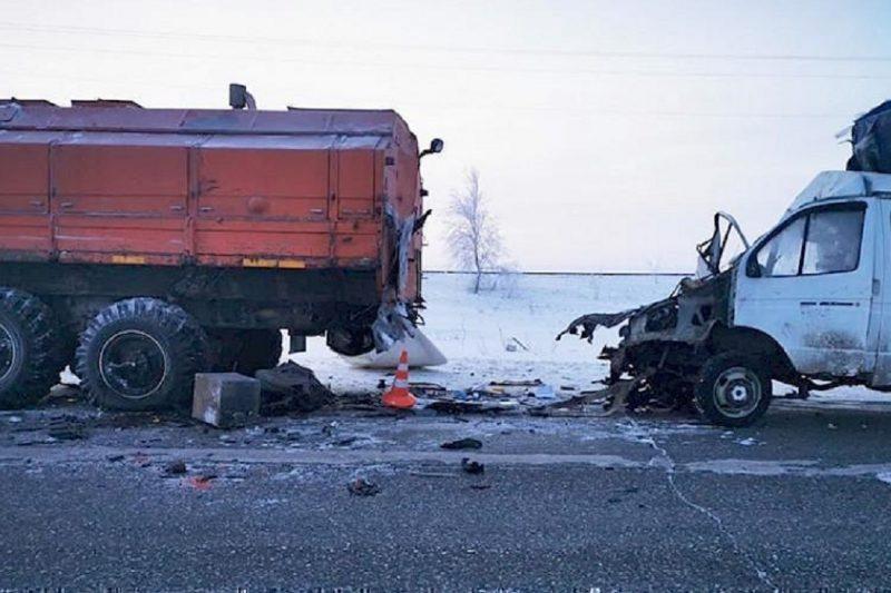 В ДТП под Новым Уренгоем пострадали двое человек 1