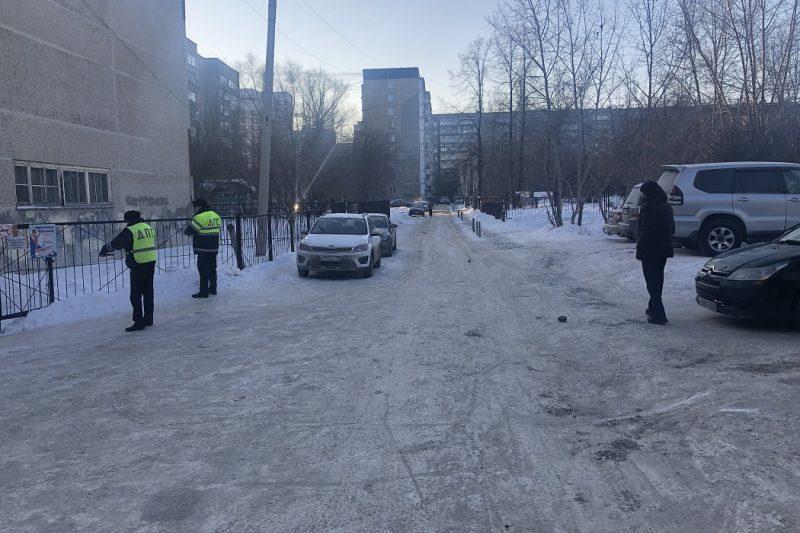 В Екатеринбурге водитель на Volkswagen Passat сбил 9-летнюю девочку