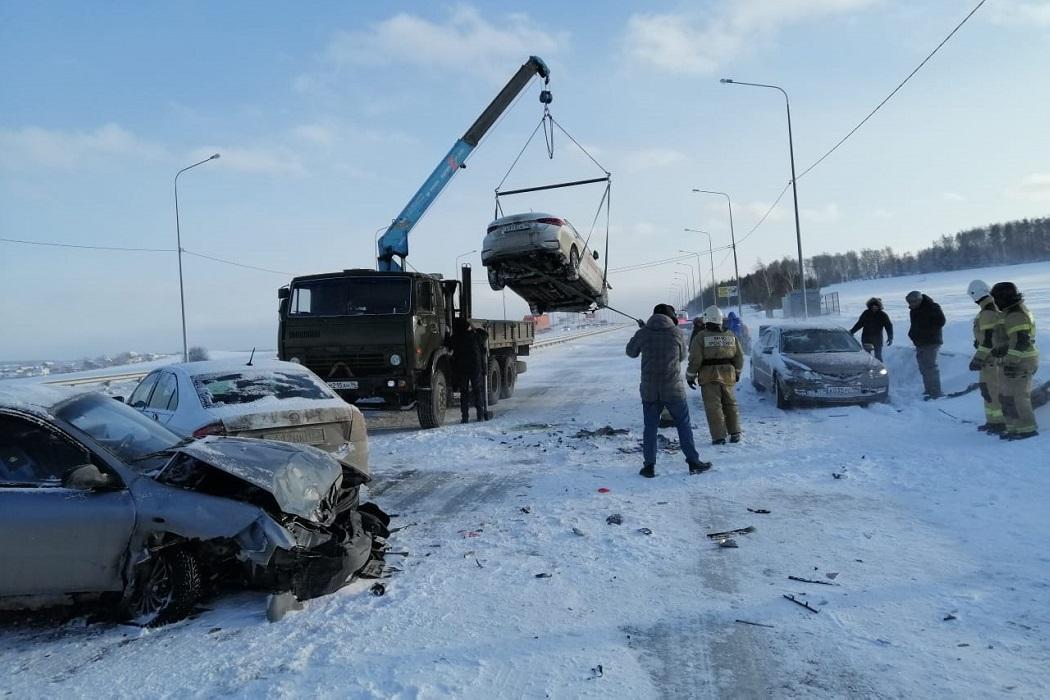 К месту массового ДТП на Челябинском тракте прибыл пункт обогрева МЧС