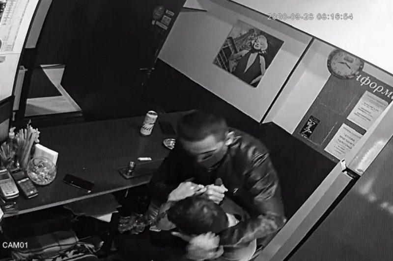 В Екатеринбурге мужчина напал с ножом на администратора сауны