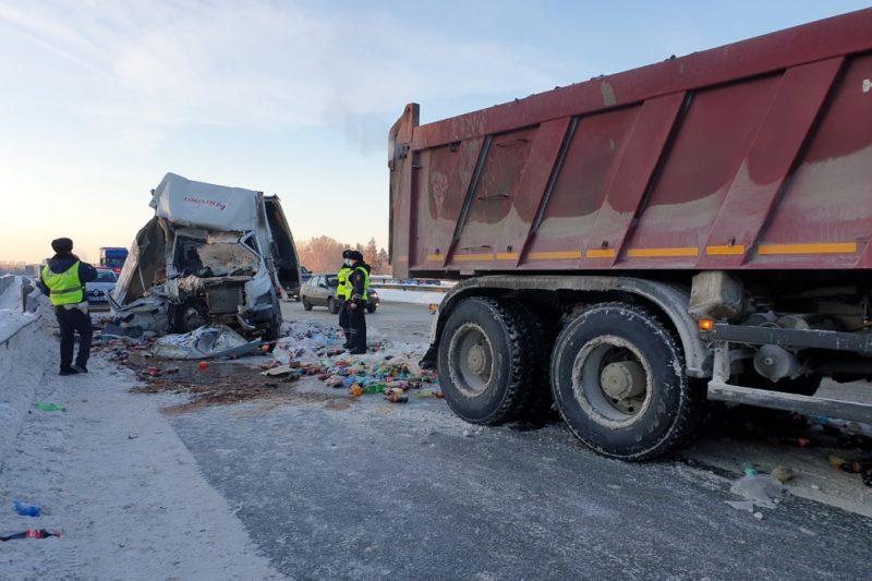 На Серовском тракте произошло смертельное ДТП со снегоуборочным КАМАЗом