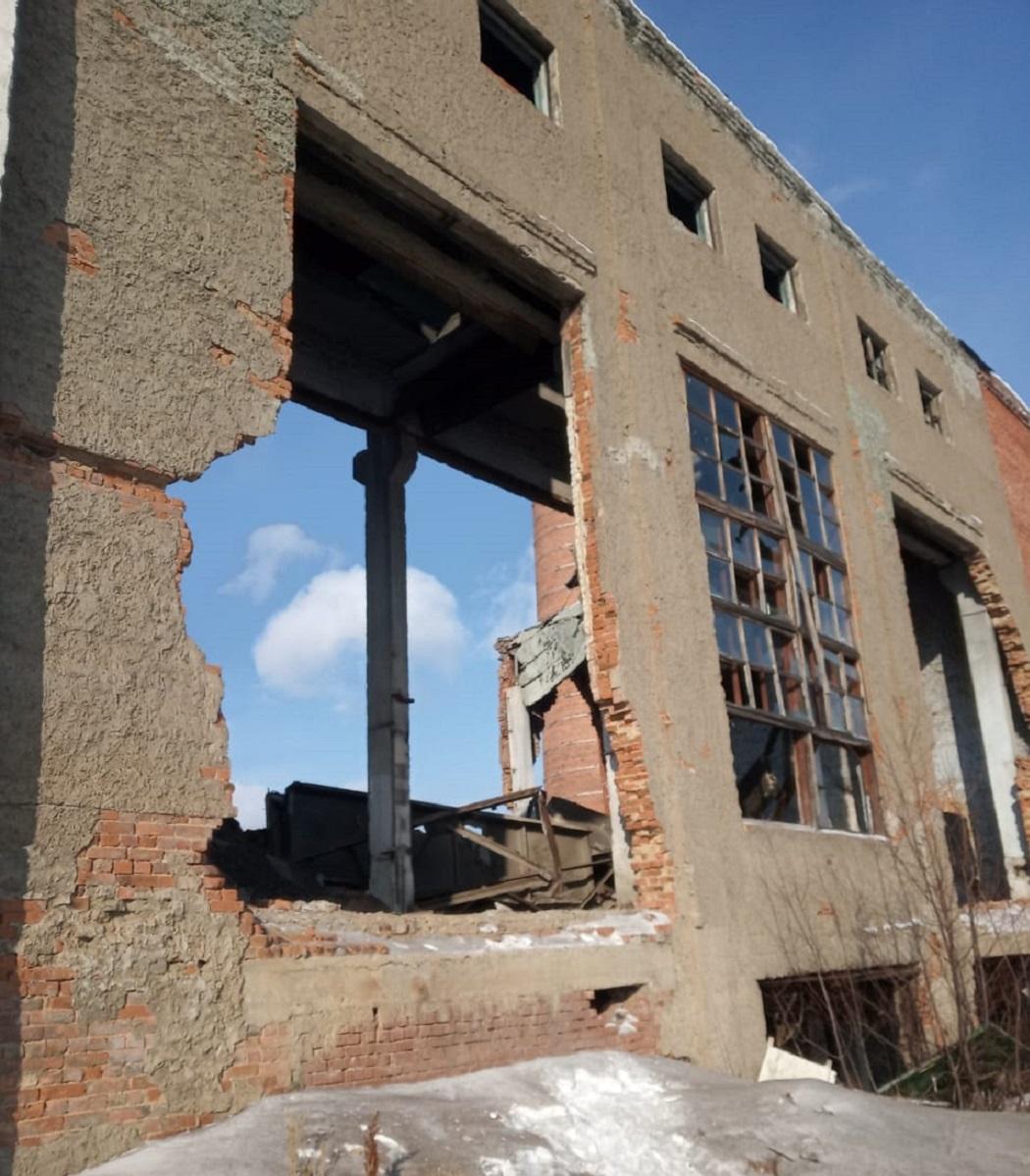 В посёлке на Урале при обрушении кровли котельной ищут погибшего