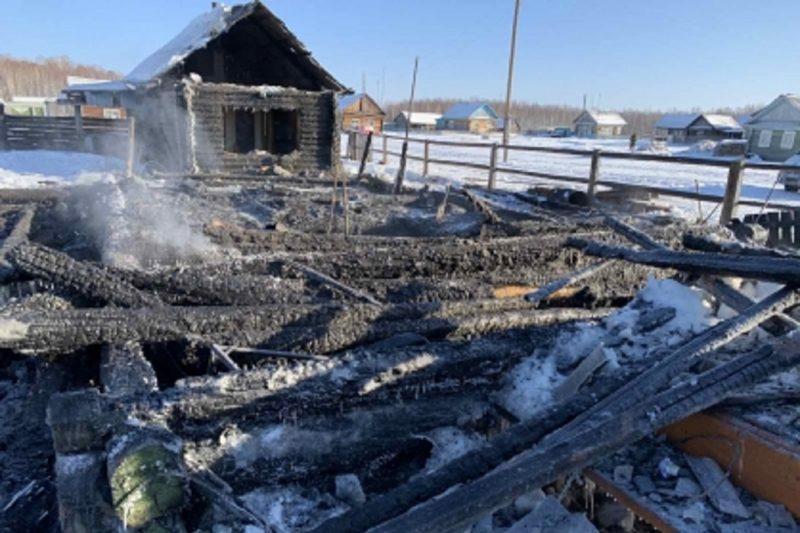 По гибели сестер при пожаре в Тобольском районе возбуждено уголовное дело
