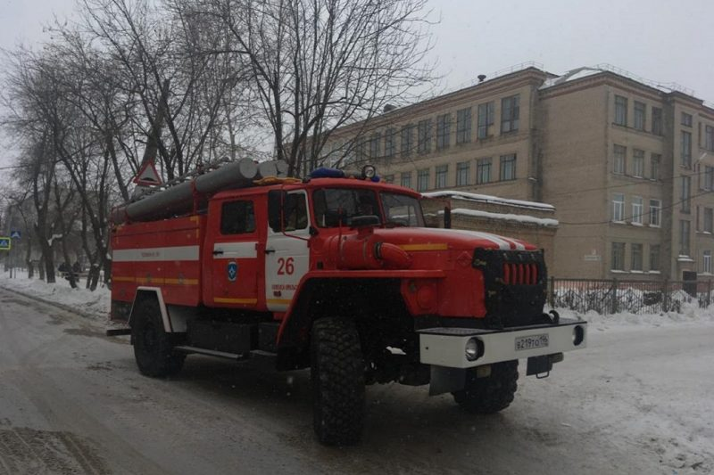 В Каменске-Уральском из-за пожара в школе эвакуировались 190 человек