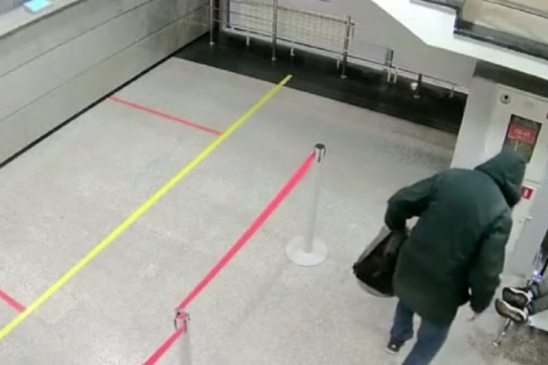 Тюменцу грозит срок за кражу вещей у пассажира на железнодорожном вокзале