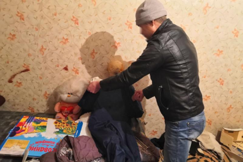 В Тюменской области пьяный мужчина до смерти избил свою сожительницу