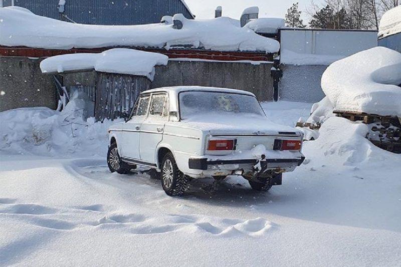 В Ноябрьске 13-летний подросток устроил ДТП во дворе жилого дома