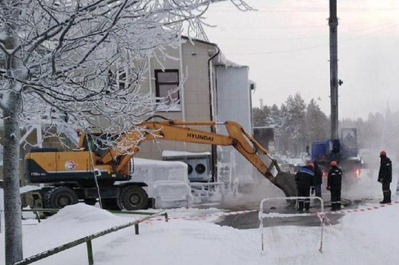 В Ноябрьске школу, детсад и 18 жилых домов отключили от тепла из-за порыва