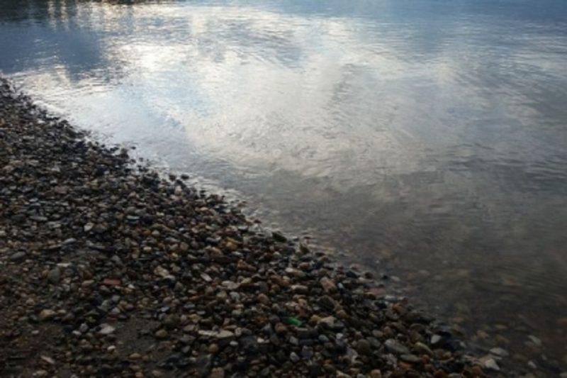 В Югре двое мужчин убили знакомого и В Югре двое мужчин убили знакомого и выбросили его тело в рекусили его тело в реку