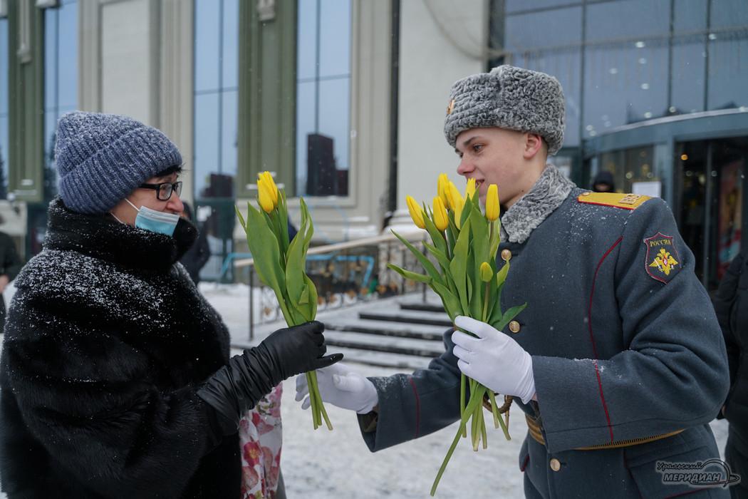 Самоизоляция на Урале: год карантина в 64 фотографиях Уральского меридиана