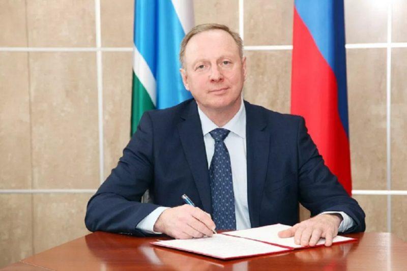 Глава Новоуральска Владимир Цветов ушёл в отставку