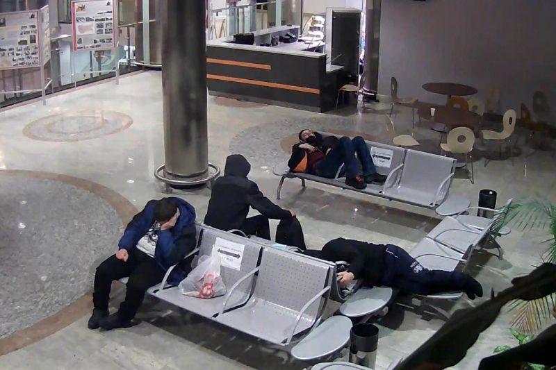 На Ямале задержали мужчину, похитившего на вокзале рюкзак с техникой