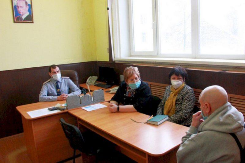 Уральский омбудсмен встретилась с обвиняемым в педофилии тренером
