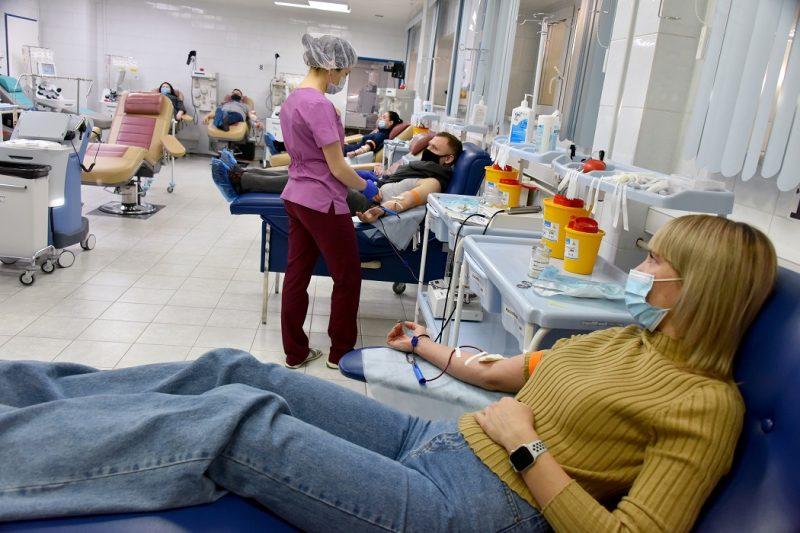 Почти 300 студентов Ханты-Мансийска стали донорами крови