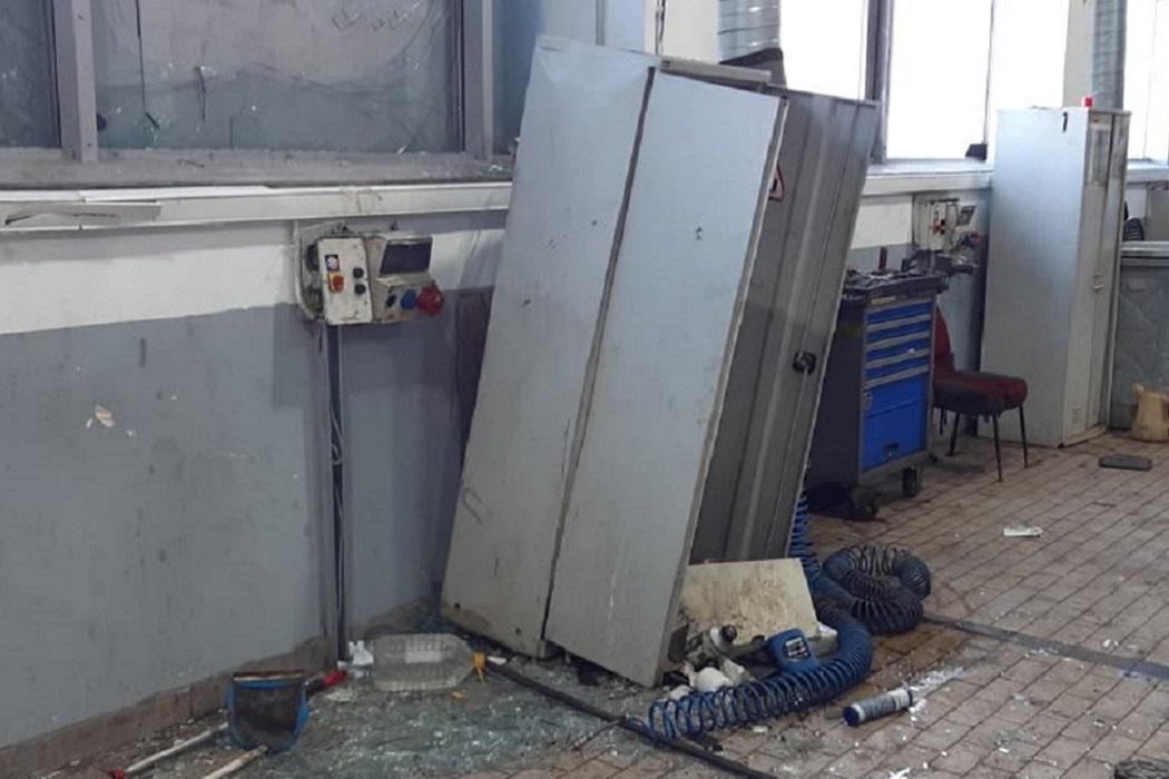 В Екатеринбурге из-за взрыва в автосалоне тяжело травмировался работник
