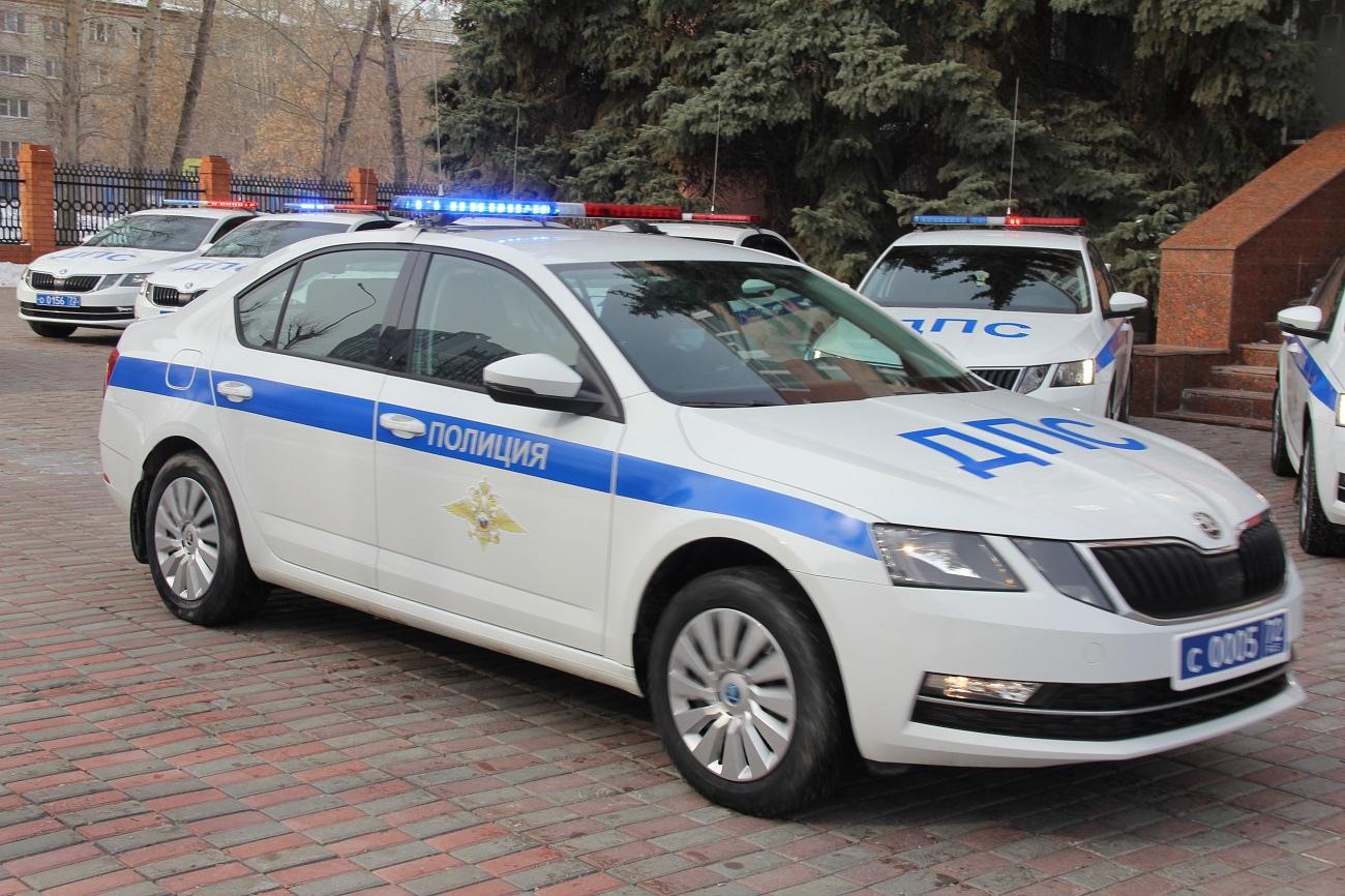 Тюменские автоинспекторы получили 15 новых патрульных автомобилей 1