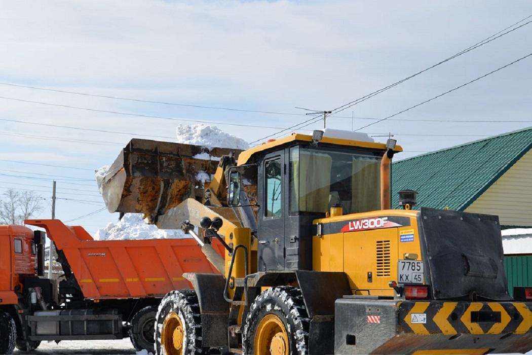 Уборка снега + трактор + самосвал