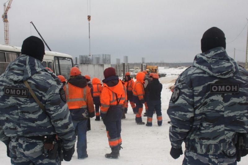 В Екатеринбурге в хостеле на 50 человек фиктивно числились 148 мигрантов