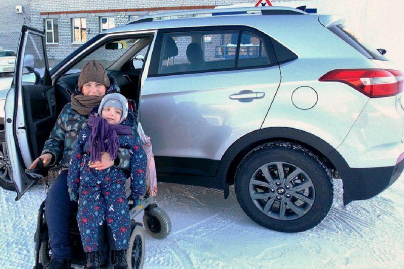 В колледже Ноябрьска инвалиды-колясочники смогут обучиться вождению автомобиля 1