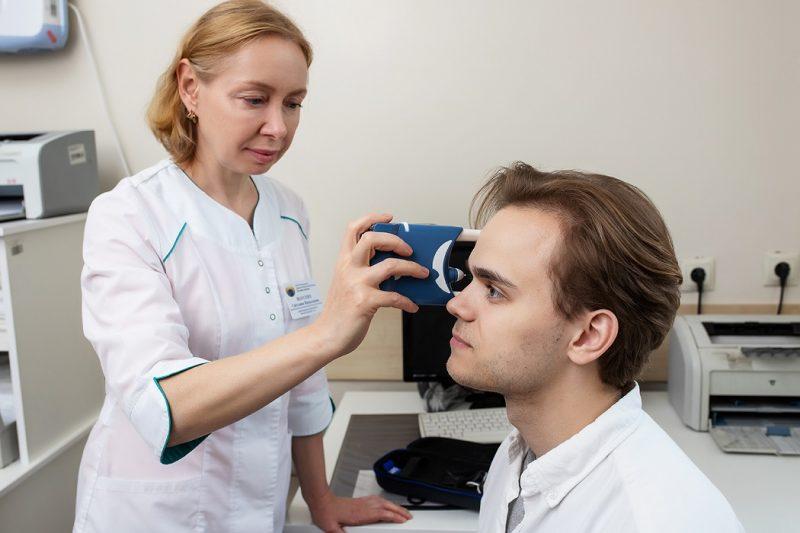 Тюменские врачи оперативно помогли 45-летнему мужчине с глаукомой