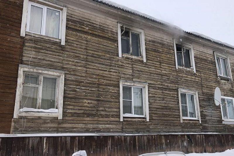 В Салехарде при пожаре в «деревяшке» пострадал 80-летний пенсионер