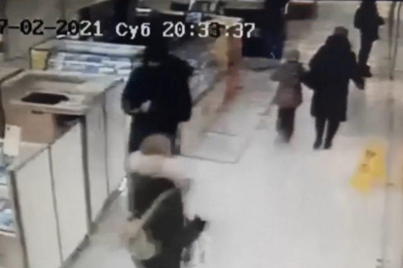 В Тюмени сотрудник магазина электроники украл смартфоны на сотни тысяч рублей