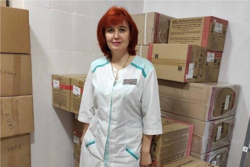 442 коробки с перчатками передал фонд в челябинскую поликлинику №8