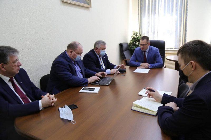 Архипов + чиновники + совещание