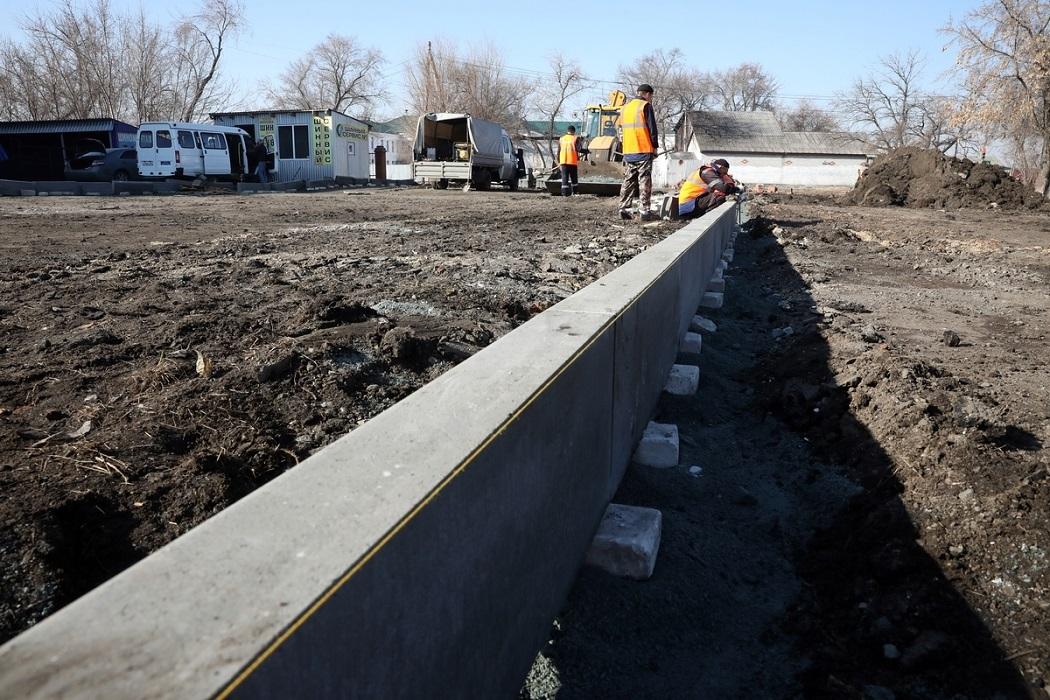 Блоки + ремонт + земля + асфальт + перекопано + рабочие + Газель