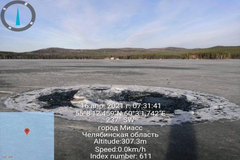 """Житель Миасса с сыном во время рыбалки утопил """"Ниву"""" на озере Тургояк"""