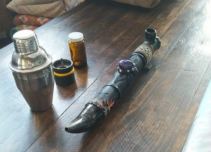 Тюменские таможенники задержали посылку с гашишным маслом 1