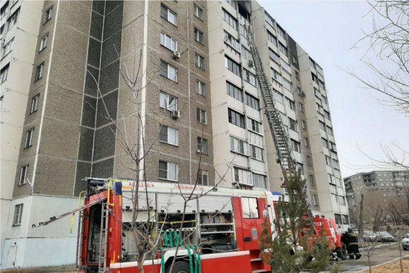 В Челябинске из пожара по Сталеваров спасли мать с ребёнком