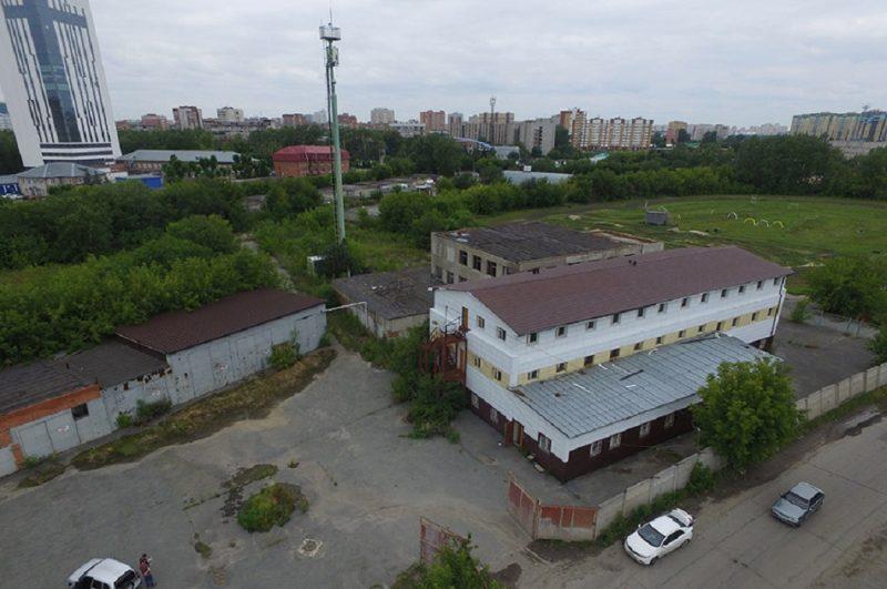 В Тюмени на аукционе продадут крупный комплекс с участком на Одесской