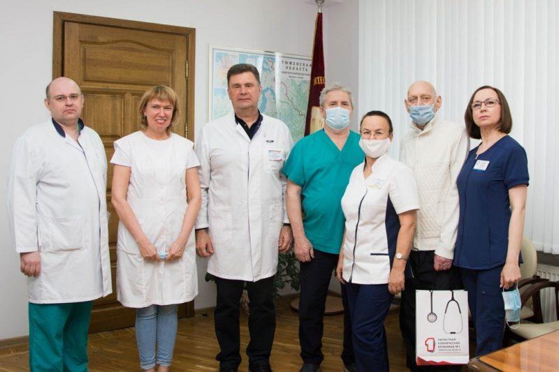 В Тюмени проводили на пенсию заслуженного врача РФ Николая Ильченко