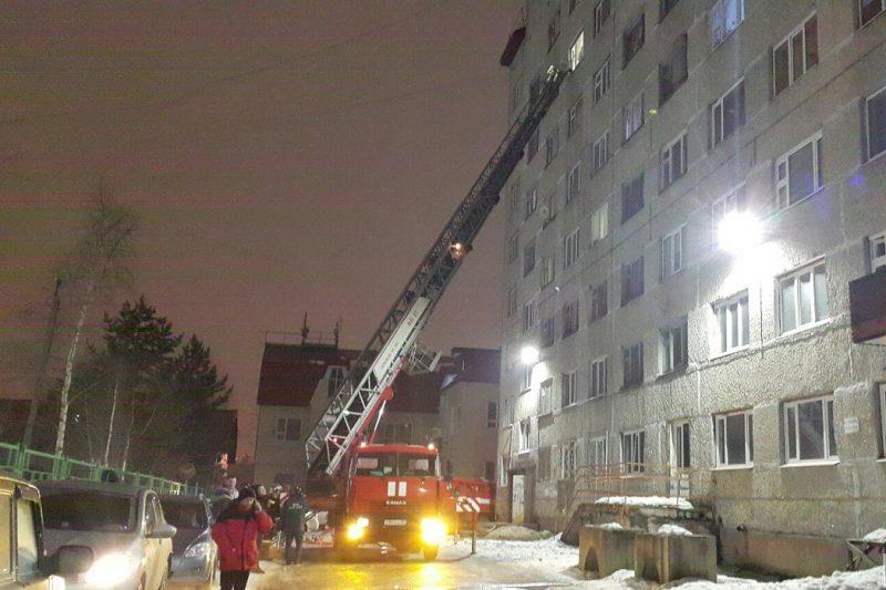 В центре Ноябрьска вновь горела жилая многоэтажка