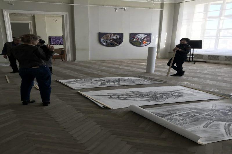Vystavka Lyubovi Serovoy v CHelyabinske