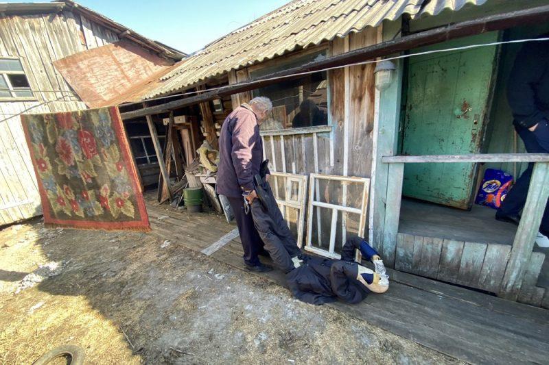 Житель Ялуторовска убил знакомого и спрятал его тело в огороде