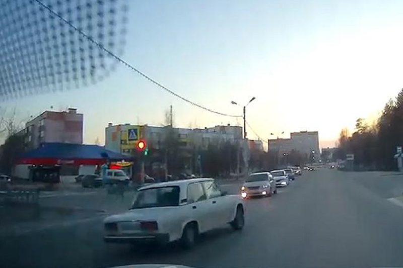 Жителя Ноябрьска арестовали на 10 суток за езду под наркотиками