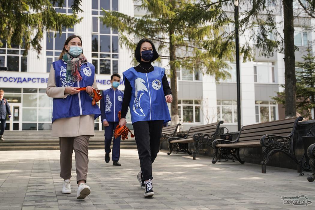 Волонтеры раздадут в Екатеринбурге более 3 тысяч Георгиевских ленточек