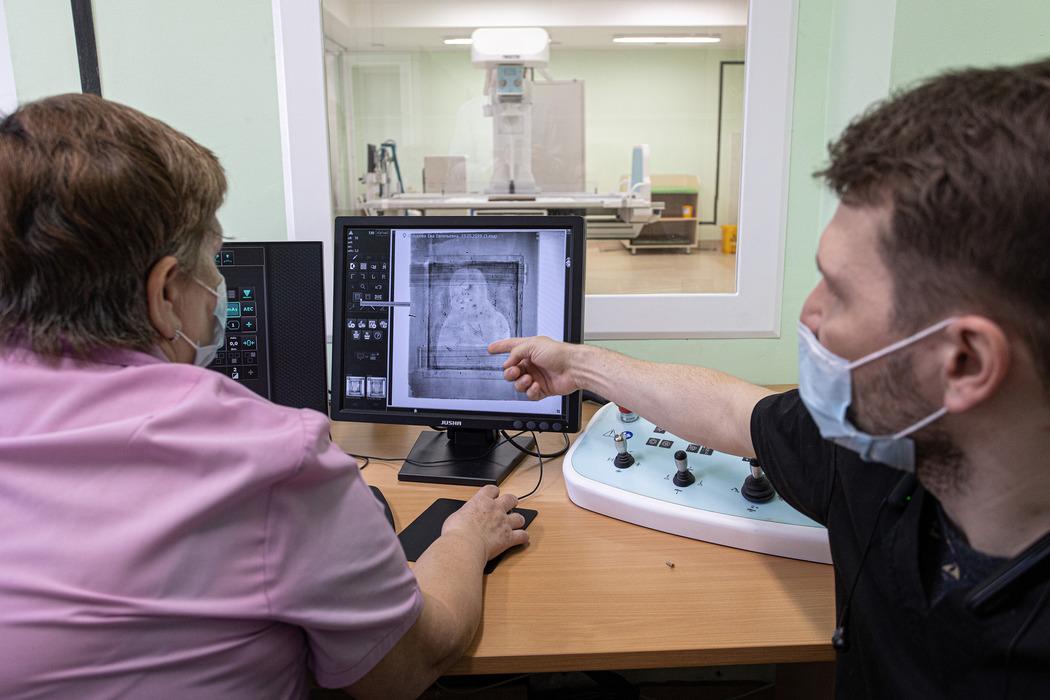 В детскую челябинскую больницу привезли на рентген икону