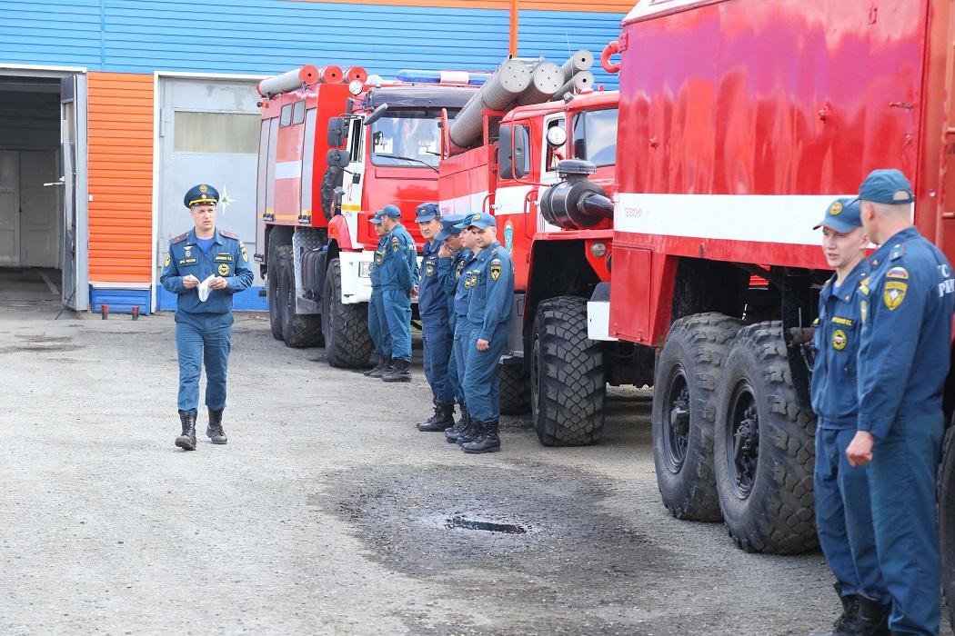 Пожарные + пожарные машины
