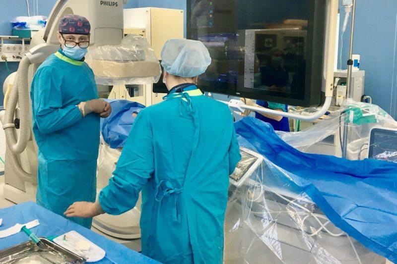 Тюменские онкологи впервые провели стентирование верхней полой вены